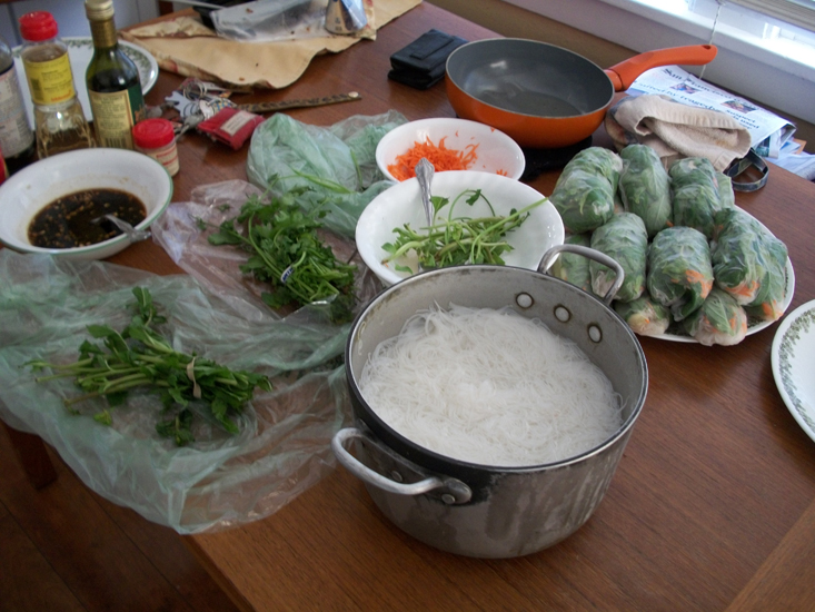 Make It: Thai Fresh Spring Rolls (1/6)